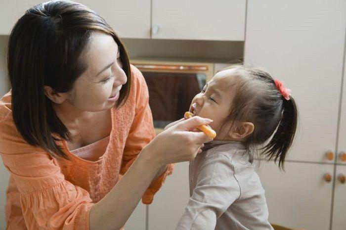 cara mengobati sakit gigi berlubang pada anak